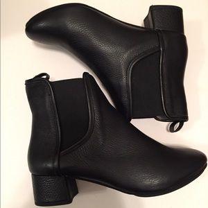 Yosi Samra black boots size 6m